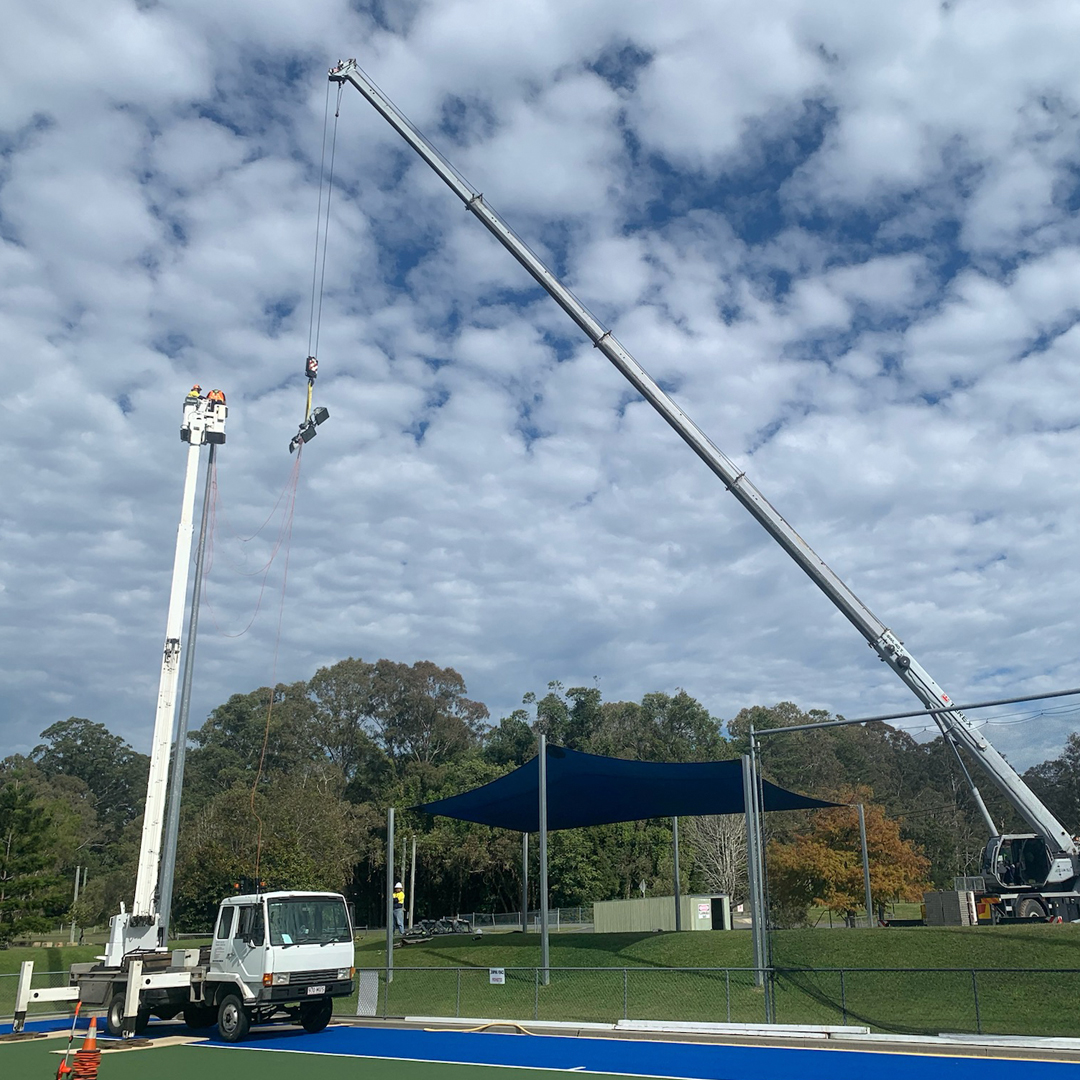 Crane & Lift Truck